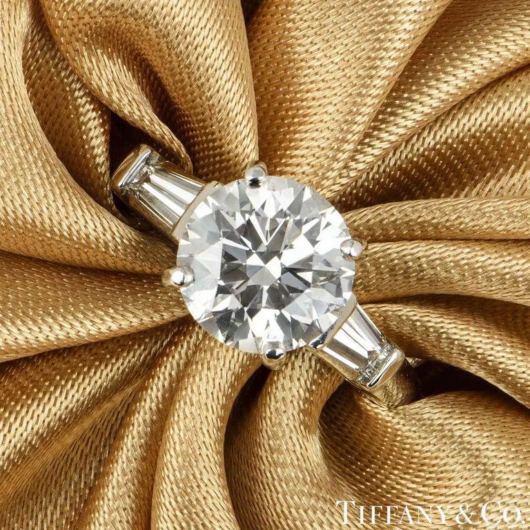 Women's Tiffany & Co. Three-Stone Engagement Ring 2.10 Carat E/VS1 For Sale