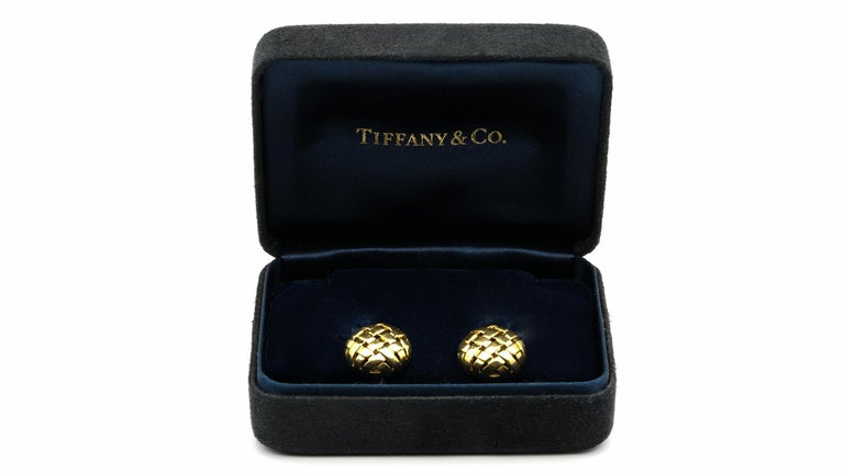 Vintage basket weave button earrings from the classic