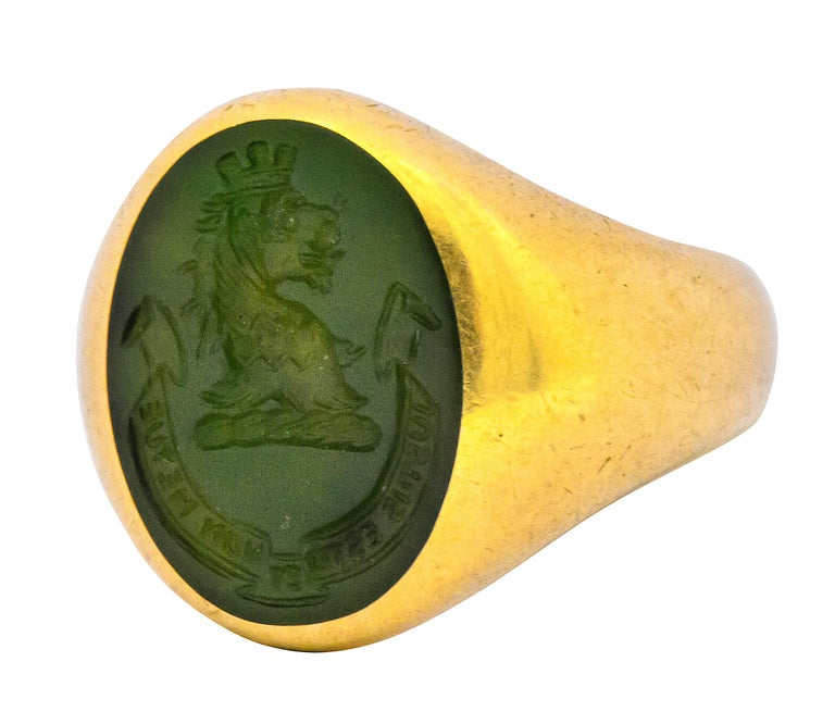 Women's or Men's Tiffany & Co. Victorian Intaglio Jade 18 Karat Gold Lion Unisex Signet Ring For Sale