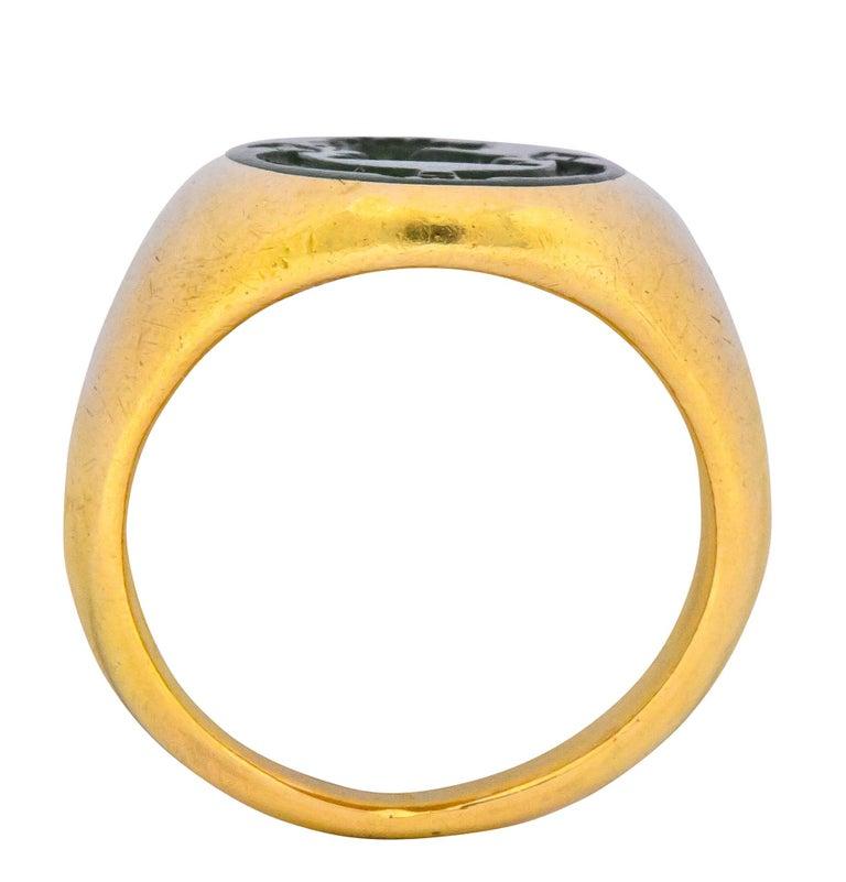 Tiffany & Co. Victorian Intaglio Jade 18 Karat Gold Lion Unisex Signet Ring For Sale 1