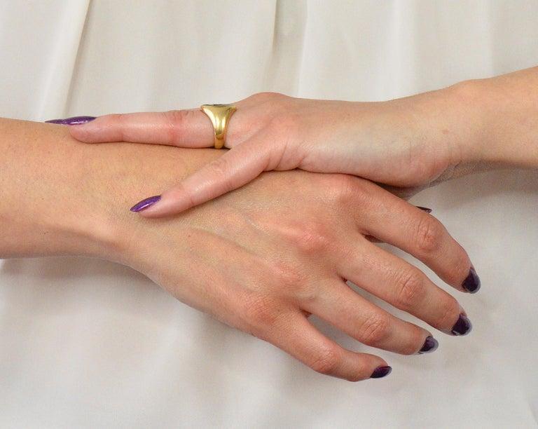Tiffany & Co. Victorian Intaglio Jade 18 Karat Gold Lion Unisex Signet Ring For Sale 4