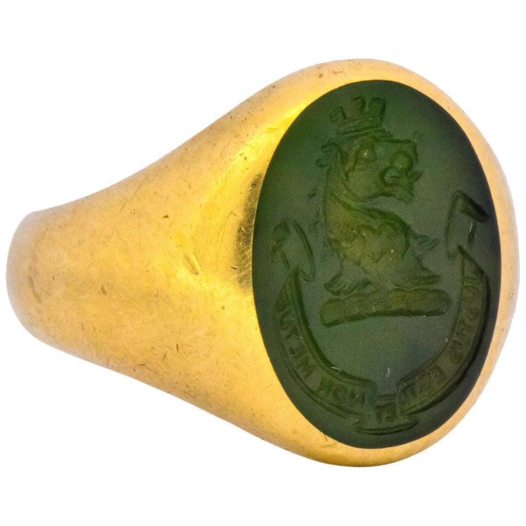 Tiffany & Co. Victorian Intaglio Jade 18 Karat Gold Lion Unisex Signet Ring For Sale