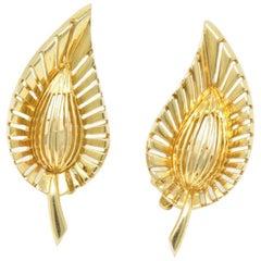 Tiffany & Co. Vintage 14 Karat Yellow Gold Leaf Clip Earrings