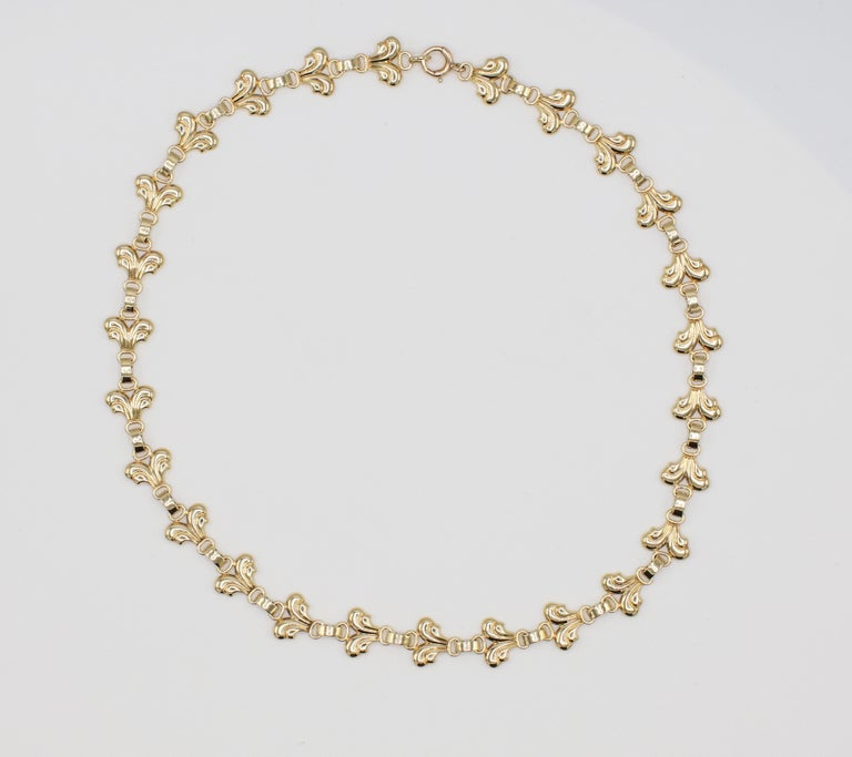 Tiffany & Co. Vintage 14 Karat Yellow Gold Necklace  Metal: 14k yellow gold Weight: 26.5 grams Length: 16 inch Width: 10.5MM