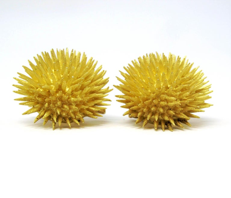 Tiffany & Co. Vintage 18 Karat Yellow Gold Sea Urchin Dome Non-Pierced Earrings In Fair Condition For Sale In Scottsdale, AZ