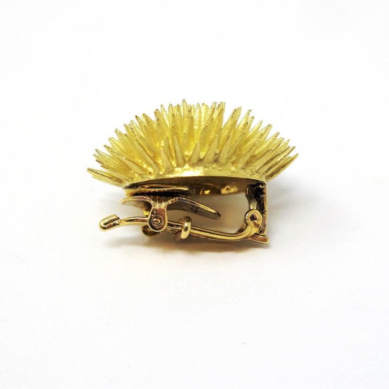 Tiffany & Co. Vintage 18 Karat Yellow Gold Sea Urchin Dome Non-Pierced Earrings For Sale 1