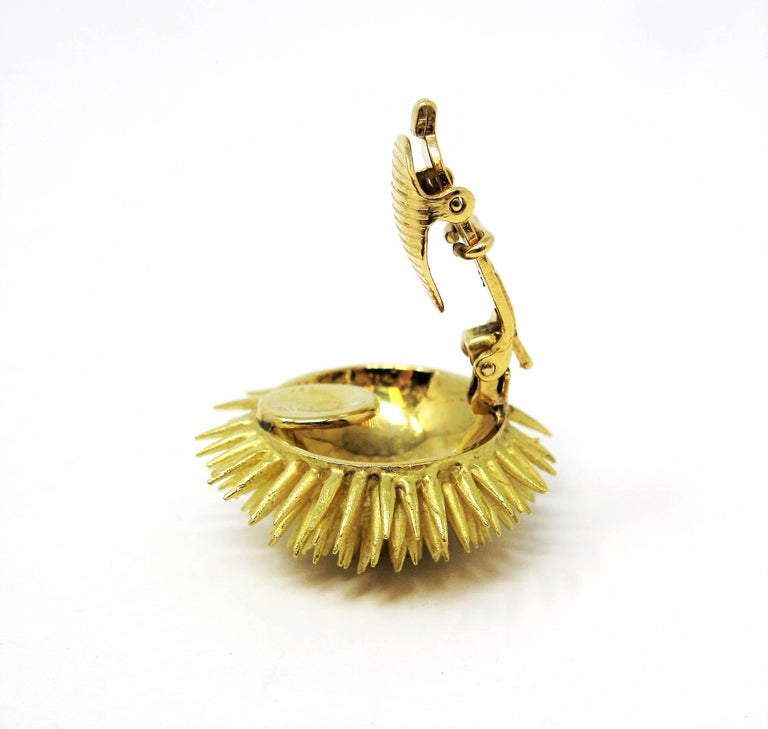 Tiffany & Co. Vintage 18 Karat Yellow Gold Sea Urchin Dome Non-Pierced Earrings For Sale 2