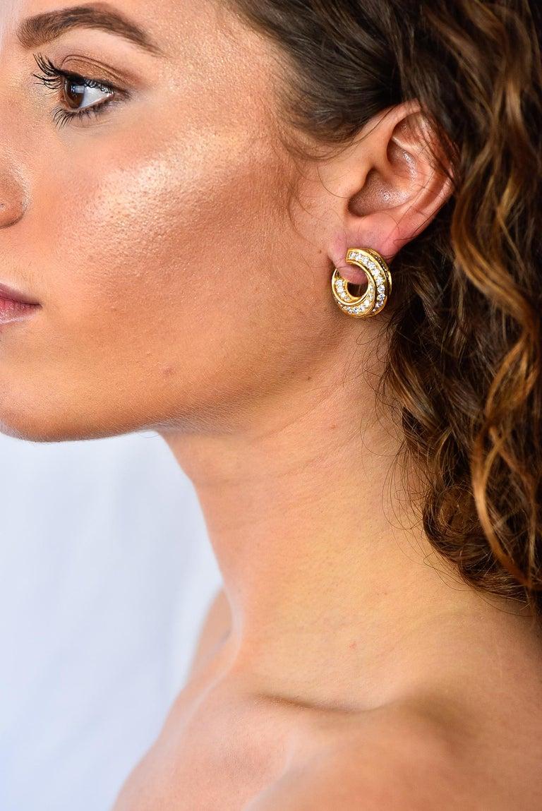 Tiffany & Co. Vintage 3.48 Carat Diamond 18 Karat Gold Hoop Swirl Earrings For Sale 4