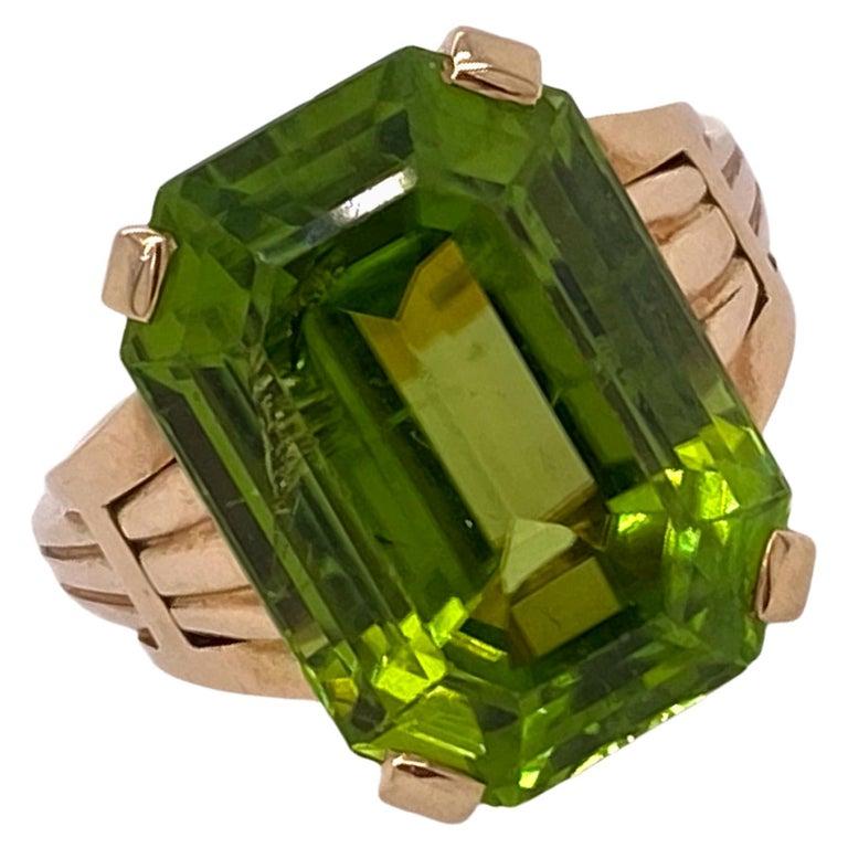 Tiffany & Co. Vintage Emerald Cut Peridot Yellow Gold Ring