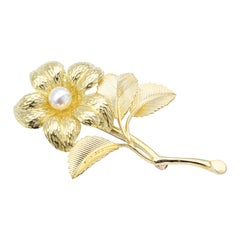 Tiffany & Co. Vintage Flower Freshwater Pearl Brooch in 18 Karat Yellow Gold