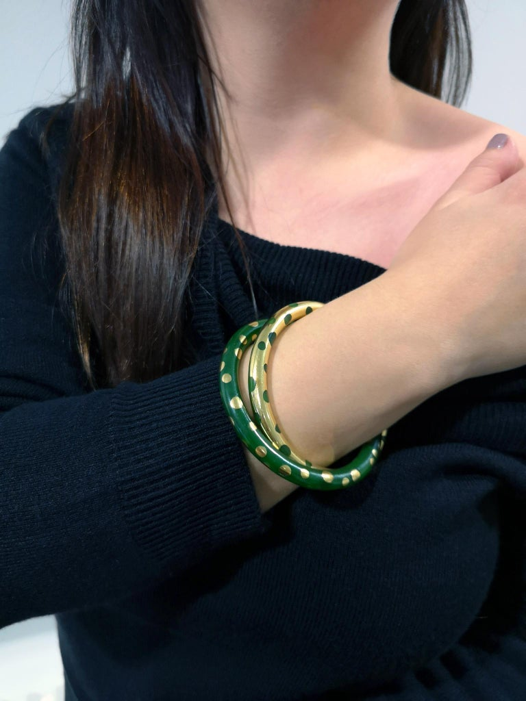 Tiffany & Co. Vintage Gold and Jadeite Double Bangle Bracelet In Excellent Condition For Sale In Newcastle Upon Tyne, GB