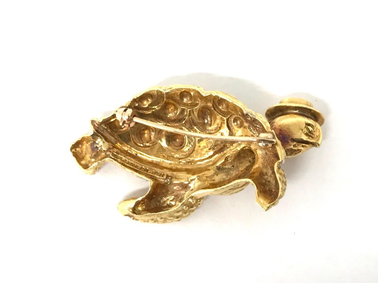 Women's or Men's Tiffany & Co. Vintage Hammered Yellow Gold Sea Turtle Brooch Pin For Sale