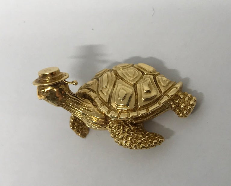 Tiffany & Co. Vintage Hammered Yellow Gold Sea Turtle Brooch Pin For Sale 2