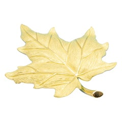 Tiffany & Co. Vintage Sugar Maple Leaf Brooch in 18 Karat Gold