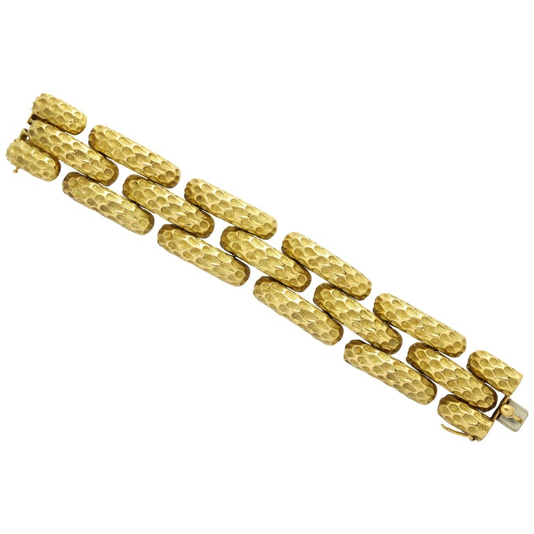 Tiffany & Co. Wide Gold Link Bracelet In Excellent Condition For Sale In New York, NY
