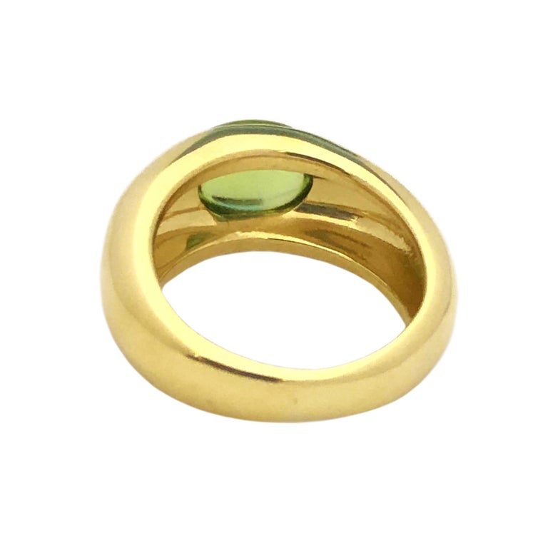 Tiffany & Co. Yellow Gold and Peridot Ring In Excellent Condition For Sale In Chicago, IL