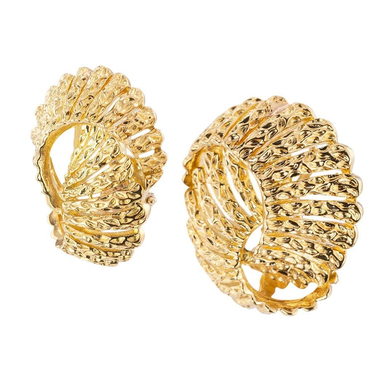 Tiffany & Co yellow gold clip and post back earrings circa 1980.  Love them because they caught your eye, and we are here to connect you with beautiful and affordable jewelry.  It is time to claim a reward Yourself!  Simple and concise information