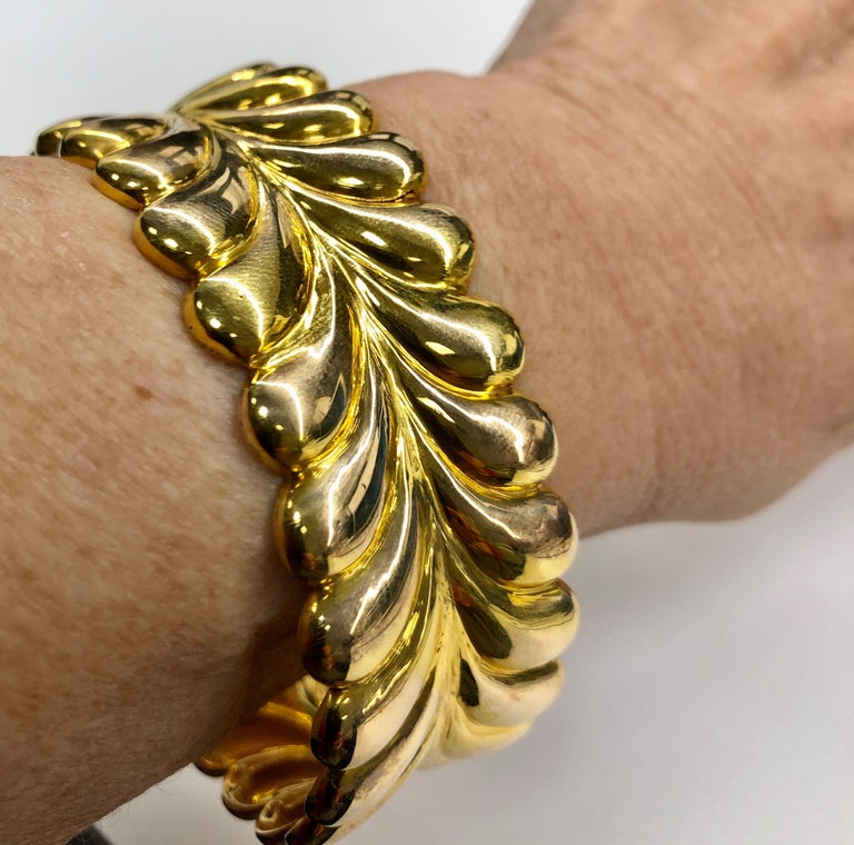 Tiffany & Co. Yellow Gold Cuff Bracelet For Sale 1