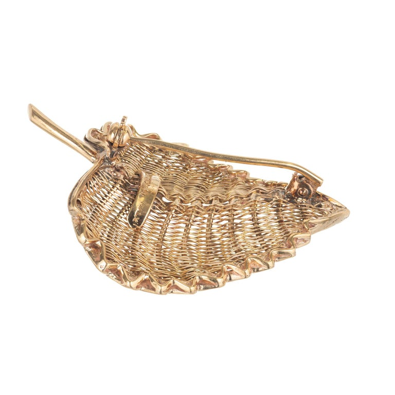 Tiffany & Co. Yellow Gold Midcentury Wire Leaf Brooch For Sale 2