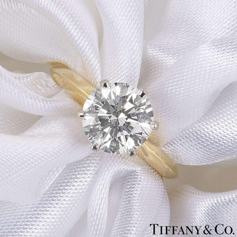 Round Cut Tiffany & Co. Yellow Gold Round Diamond Engagement Ring 2.05 Carat D/VVS2 For Sale