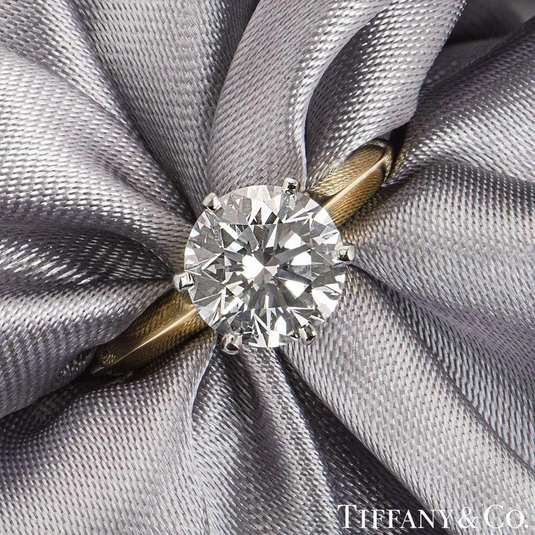 Tiffany & Co. Yellow Gold Round Diamond Engagement Ring 2.05 Carat D/VVS2 In Excellent Condition For Sale In London, GB