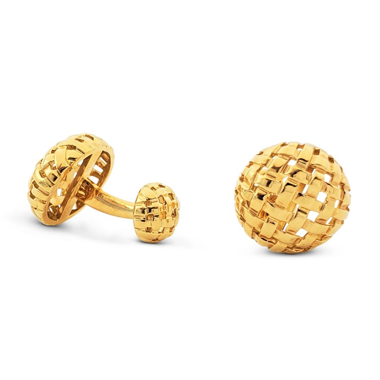 Women's or Men's Tiffany & Co. Yellow Gold Vannerie Cufflinks and Studs Dress Set For Sale