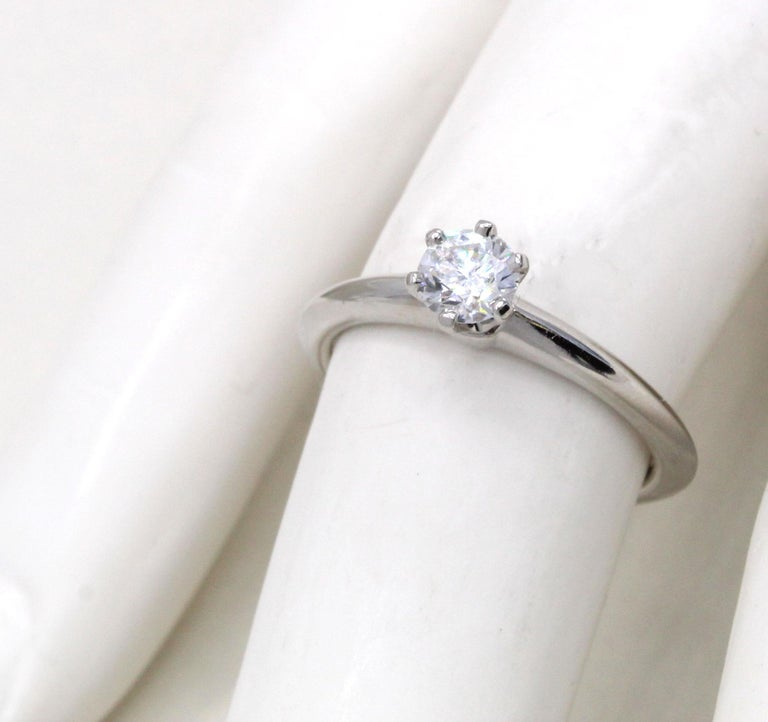 Tiffany & Co. Diamond Platinum Engagement Ring In Excellent Condition For Sale In New York, NY