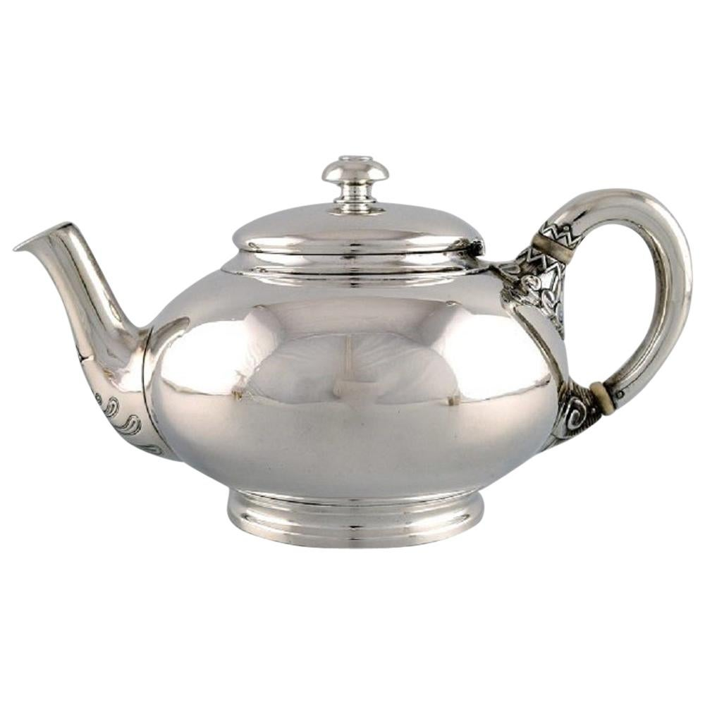 Tiffany & Co. 'New York', Teapot in Sterling Silver, Late 19th Century