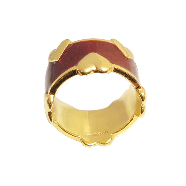 Tiffany & Co. Schlumberger Gold and Enamel Hearts Band Ring In Excellent Condition For Sale In Chicago, IL