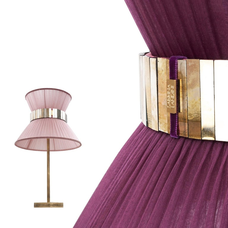 Tiffany Contemporary Table Lamp 40 Gold Silk Silvered Glass antiqued brass In New Condition For Sale In Pietrasanta, IT