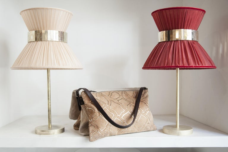 Tiffany contemporary table Lamp powder Silk Antiqued Brass, Silvered Glass      In New Condition For Sale In Pietrasanta, IT