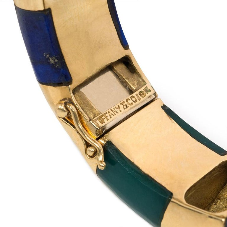 Tiffany & Co. Estate Gold Bangle Bracelet with Inlaid Lapis and Green Onyx In Good Condition For Sale In New York, NY