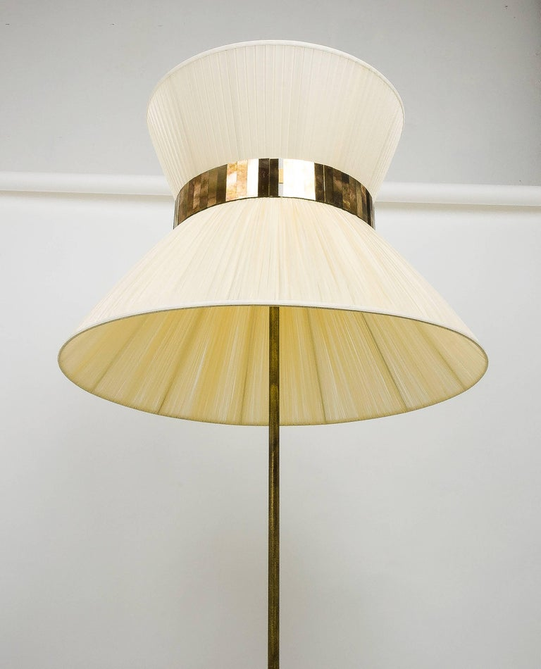 Italian  Tiffany Floor Lamp ivory Silk, Antiqued Brass, Silvered Glass Handmade    For Sale
