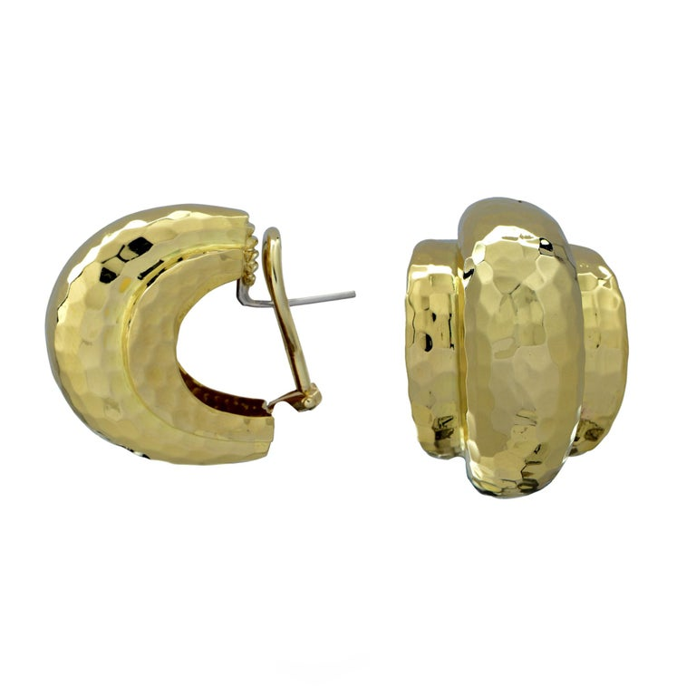 Tiffany & Co. Hammered 18 Karat Yellow Gold Lever Back Hoop Earrings In Excellent Condition For Sale In Boca Raton, FL