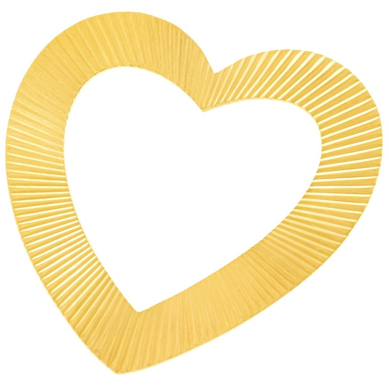 Tiffany & Co. Heart Brooch in Gold For Sale