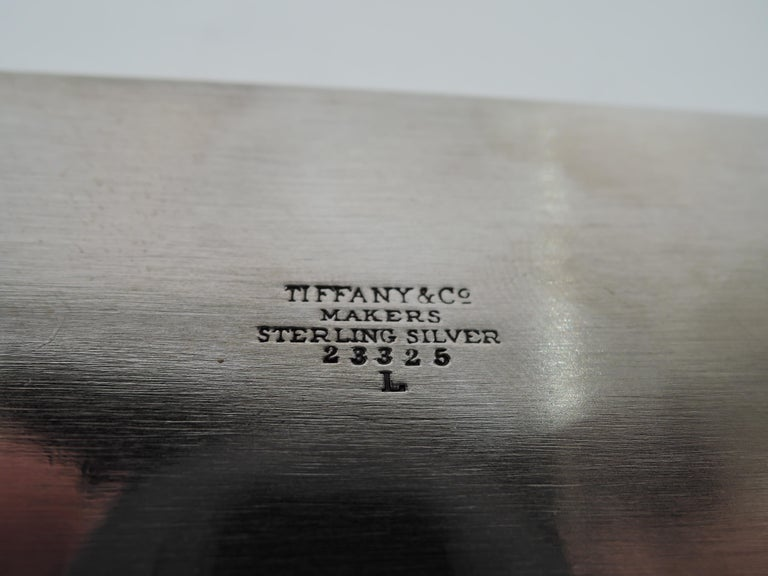 Tiffany Modern and Compact Sterling Silver Box In Good Condition For Sale In New York, NY