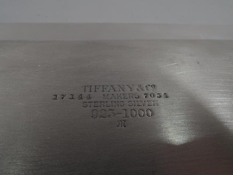 Tiffany Modern and Heavy Sterling Silver Tea Tray In Excellent Condition For Sale In New York, NY