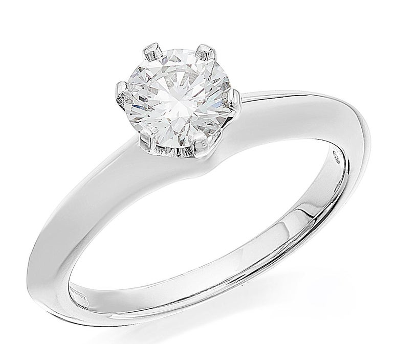 Tiffany Platinum single stone/Solitaire round brilliant 0.69ct H IF diamond ring For Sale 1