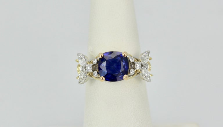 Tiffany & Co. Schlumberger Double Bee Ring with Blue Sapphire Diamonds In Good Condition For Sale In North Hollywood, CA