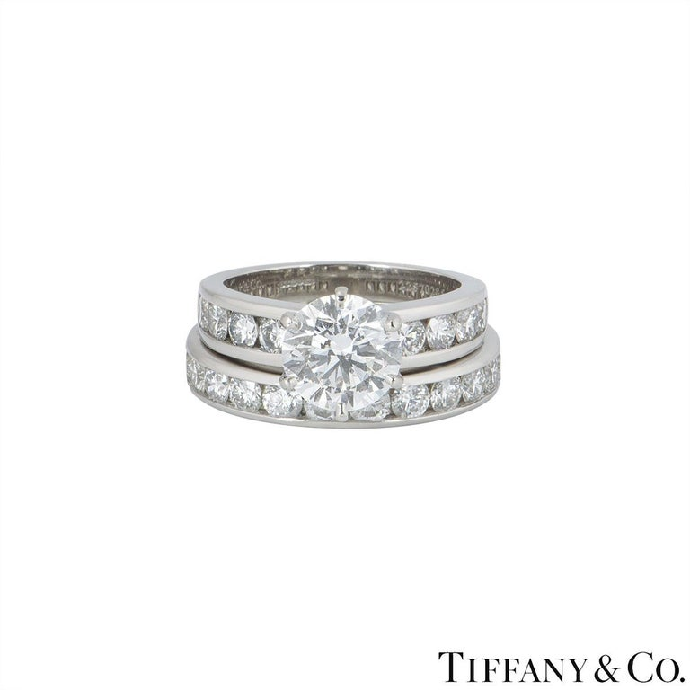 Round Cut Tiffany Setting Collection Diamond Solitaire Ring & Eternity Band 2.04ct F/VS1 For Sale