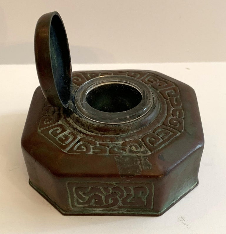 Tiffany Studios Bronze Doré Zodiac Pattern Inkwell In Good Condition For Sale In Roslyn, NY