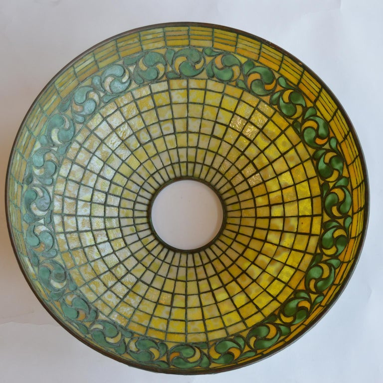 American Tiffany Studios Lemon Leaf Table Lamp For Sale