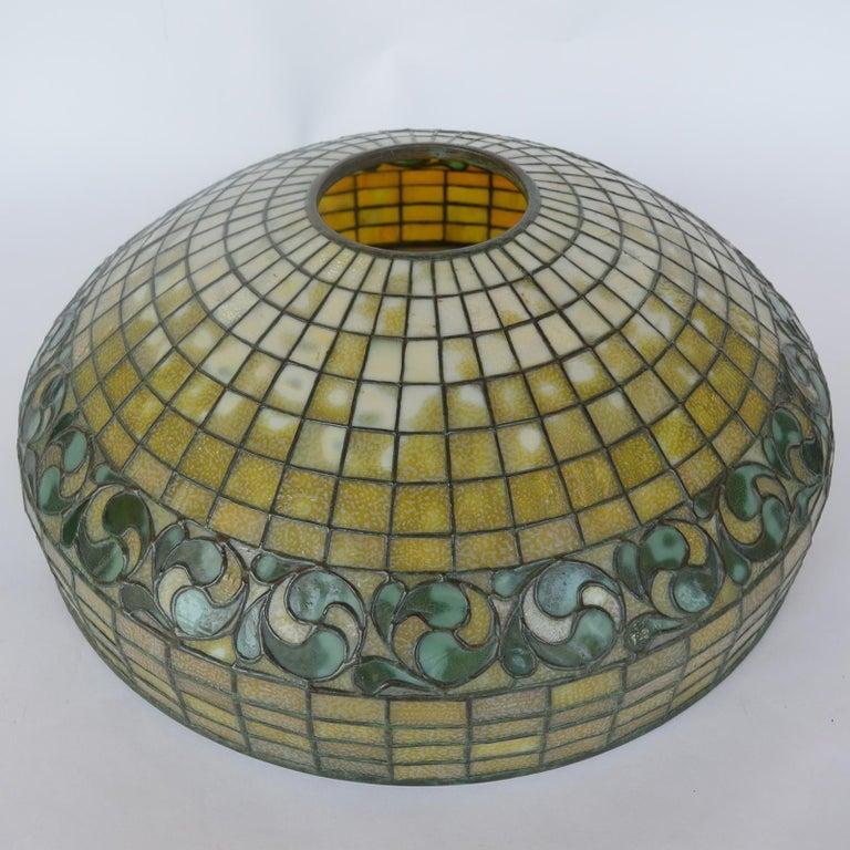 Tiffany Studios Lemon Leaf Table Lamp For Sale 1