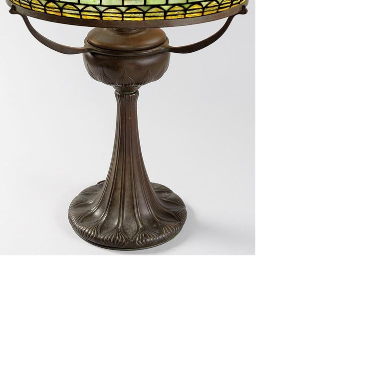 Art Nouveau Tiffany Studios 'Tyler' Table Lamp For Sale