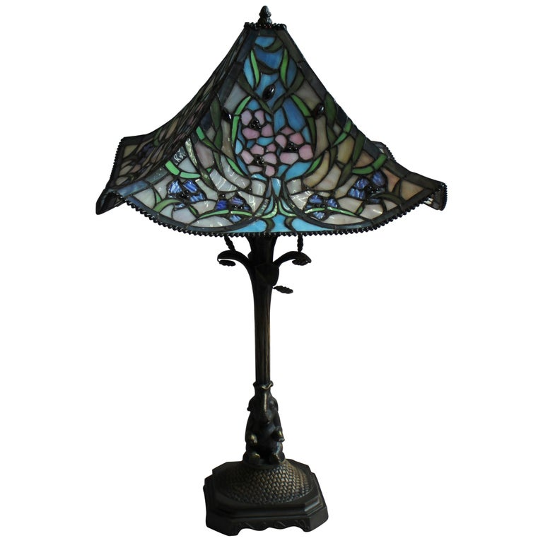 Tiffany Style Table Lamp With Floral Design For Sale At 1stdibs