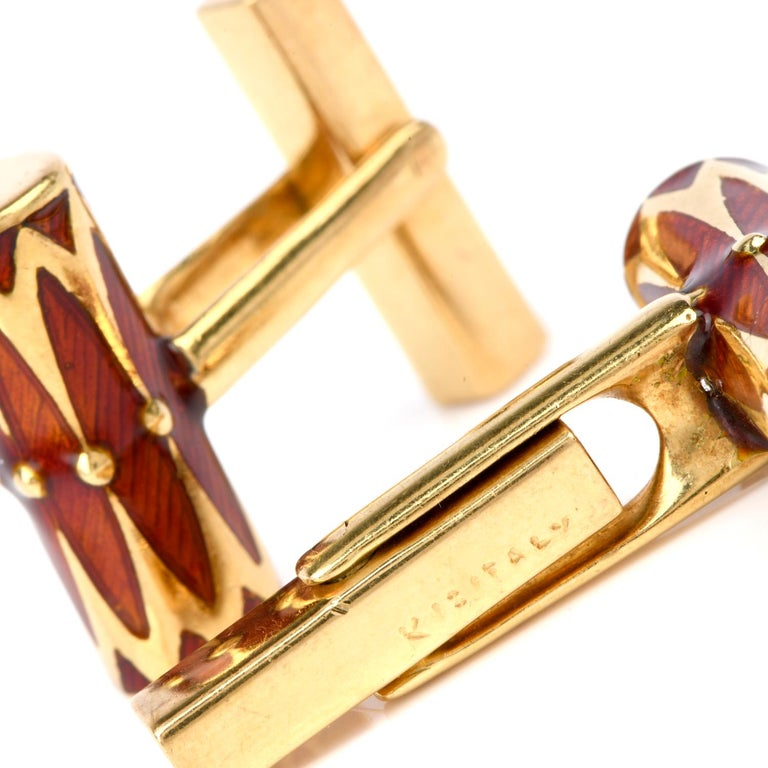 Women's or Men's Tiffany & Co. Vintage 1970s Orangy Red Barrel Shaped 18 Karat Gold Cufflinks For Sale