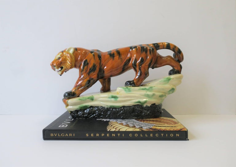 North American Art Deco Tiger Cat Animal Sculpture For Sale