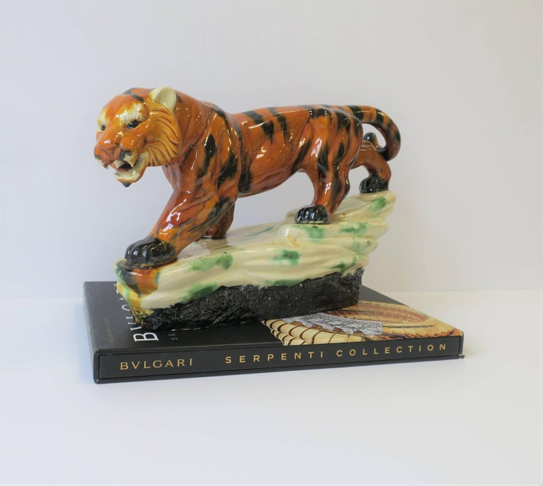 Art Deco Tiger Cat Animal Sculpture In Good Condition For Sale In New York, NY