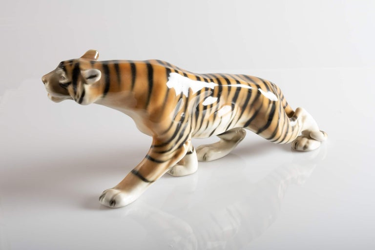 Mid-20th Century Tiger Porcelain Sculpture, Italy, circa 1950 For Sale