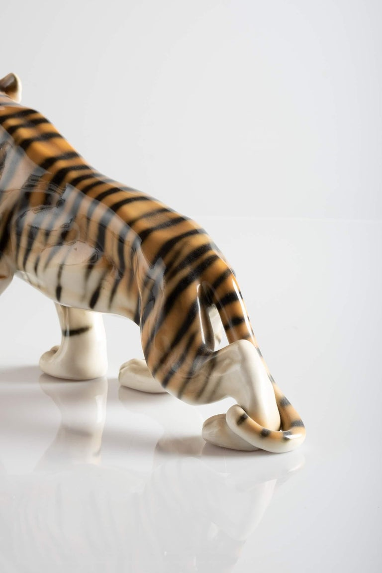 Tiger Porcelain Sculpture, Italy, circa 1950 For Sale 1